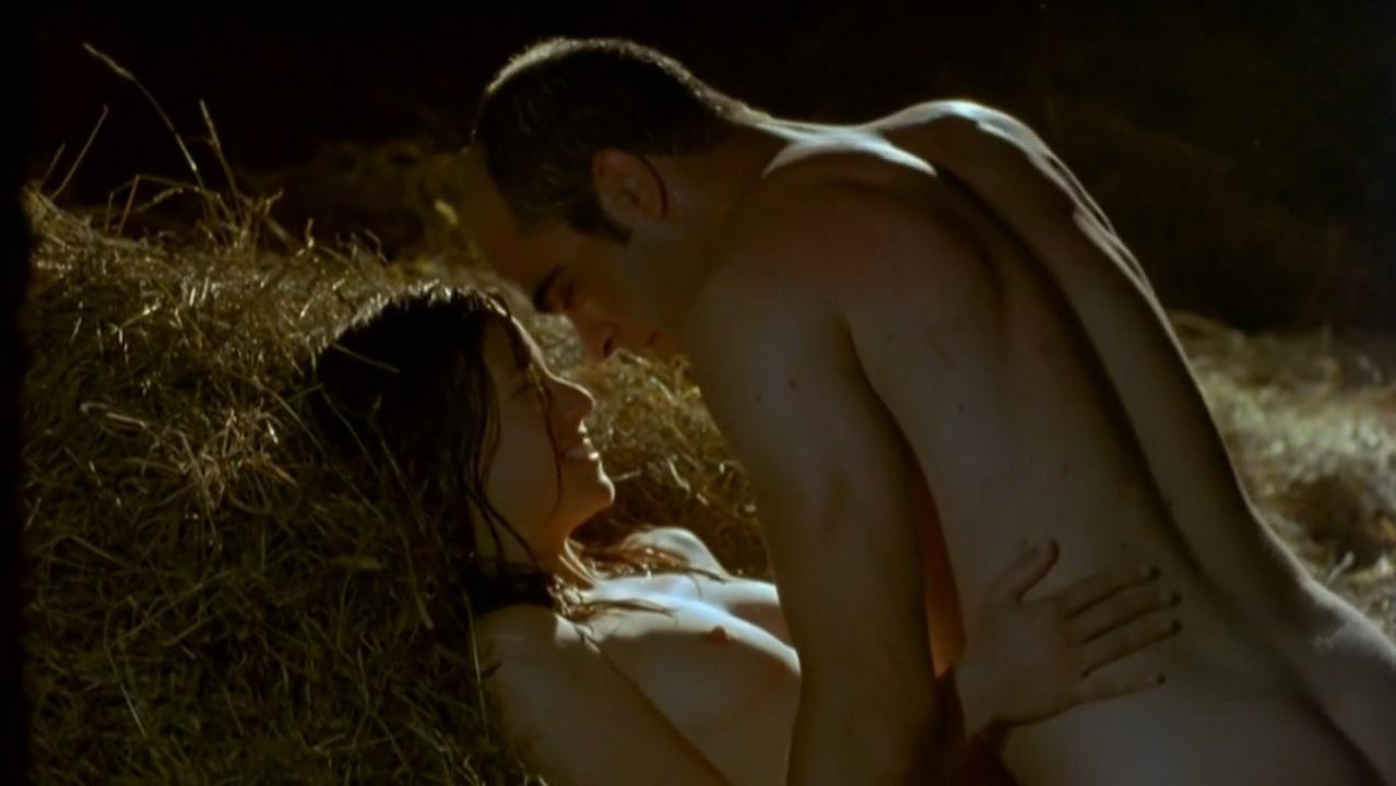 Marta Etura nude - La vida que te espera (2004)
