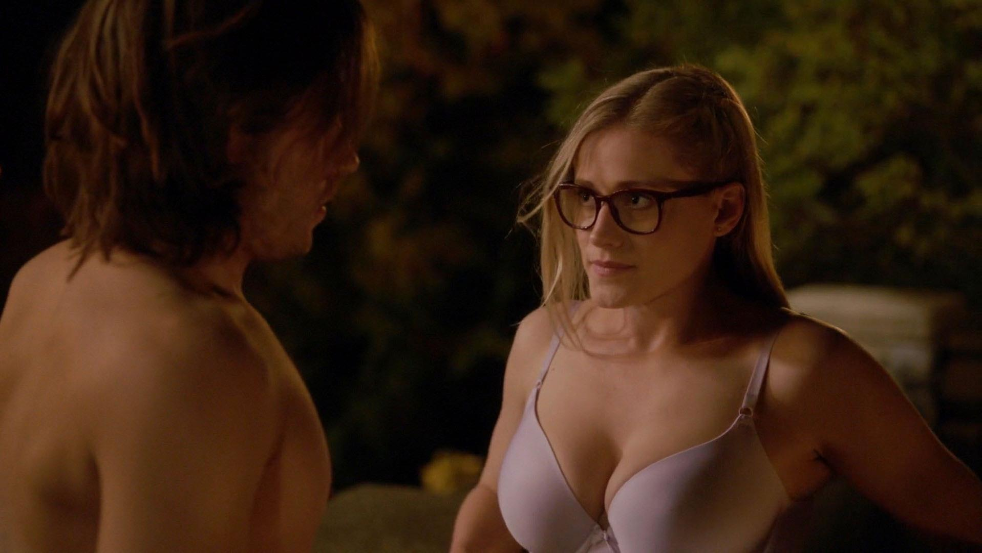 Olivia Taylor Dudley sexy - The Magicians s01e06 (2016)