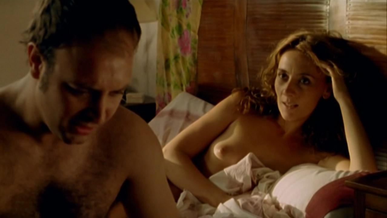Amalia Hornero nude - La noche de los girasols (2006)