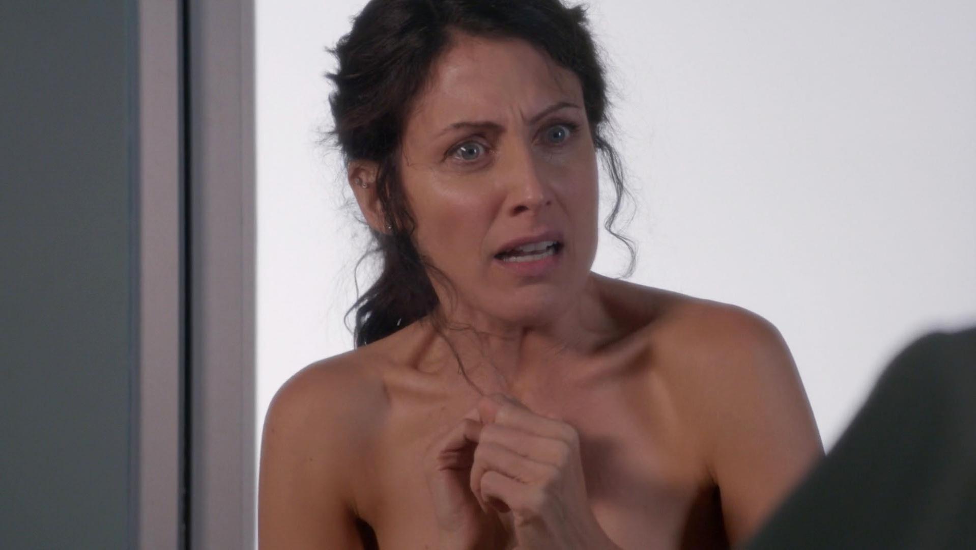 lisa naked and sexy