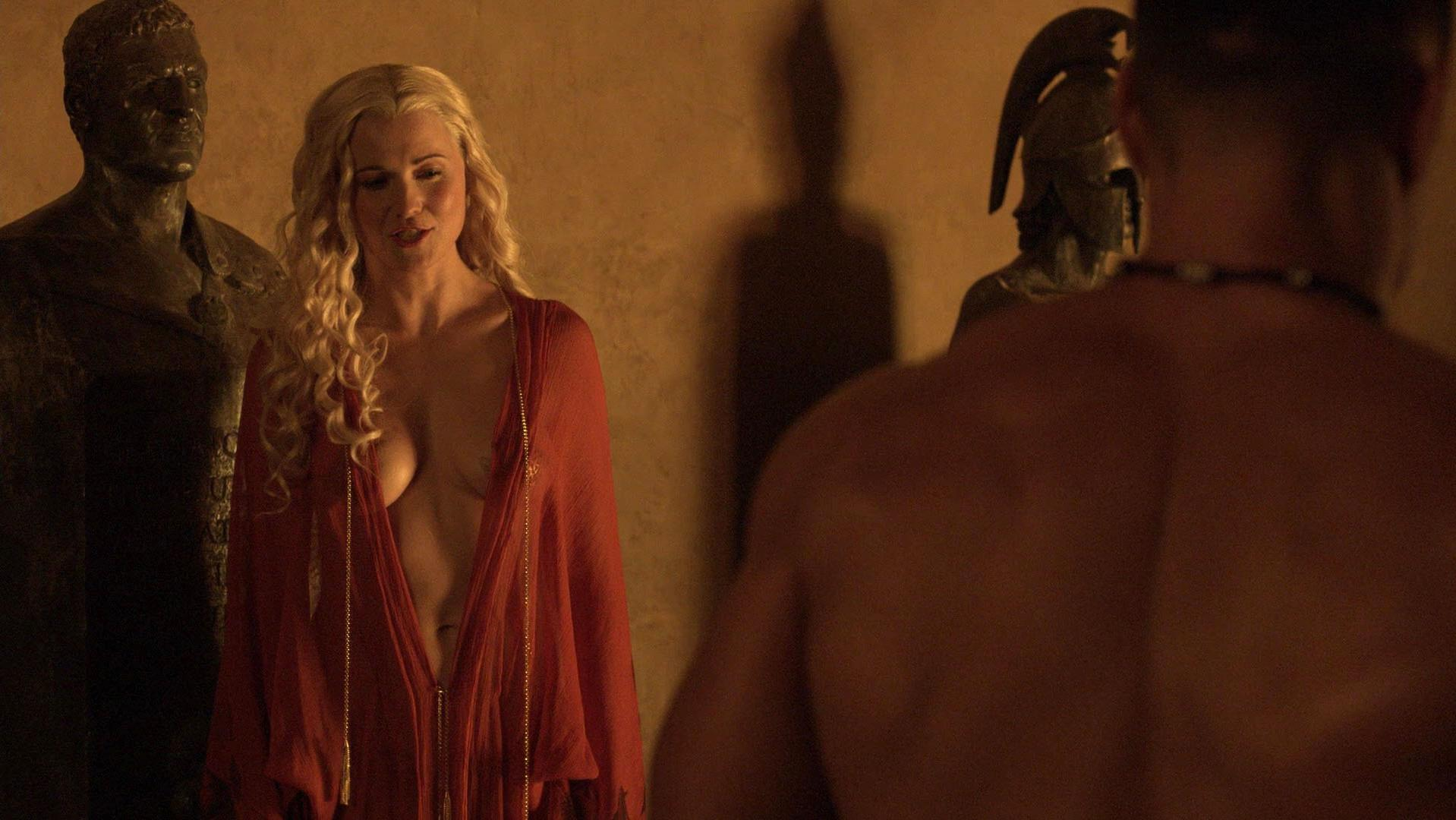 Nude Video Celebs  Lucy Lawless Sexy - Spartacus Blood-3230