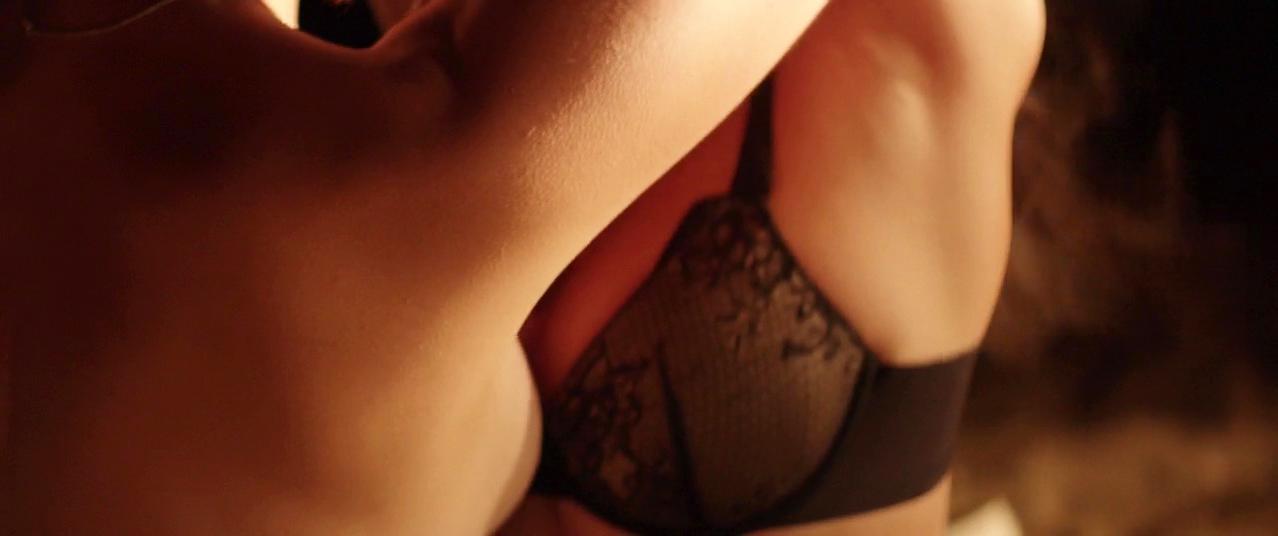 Dianna Agron nude, Paz de la Huerta nude - Bare (2015)