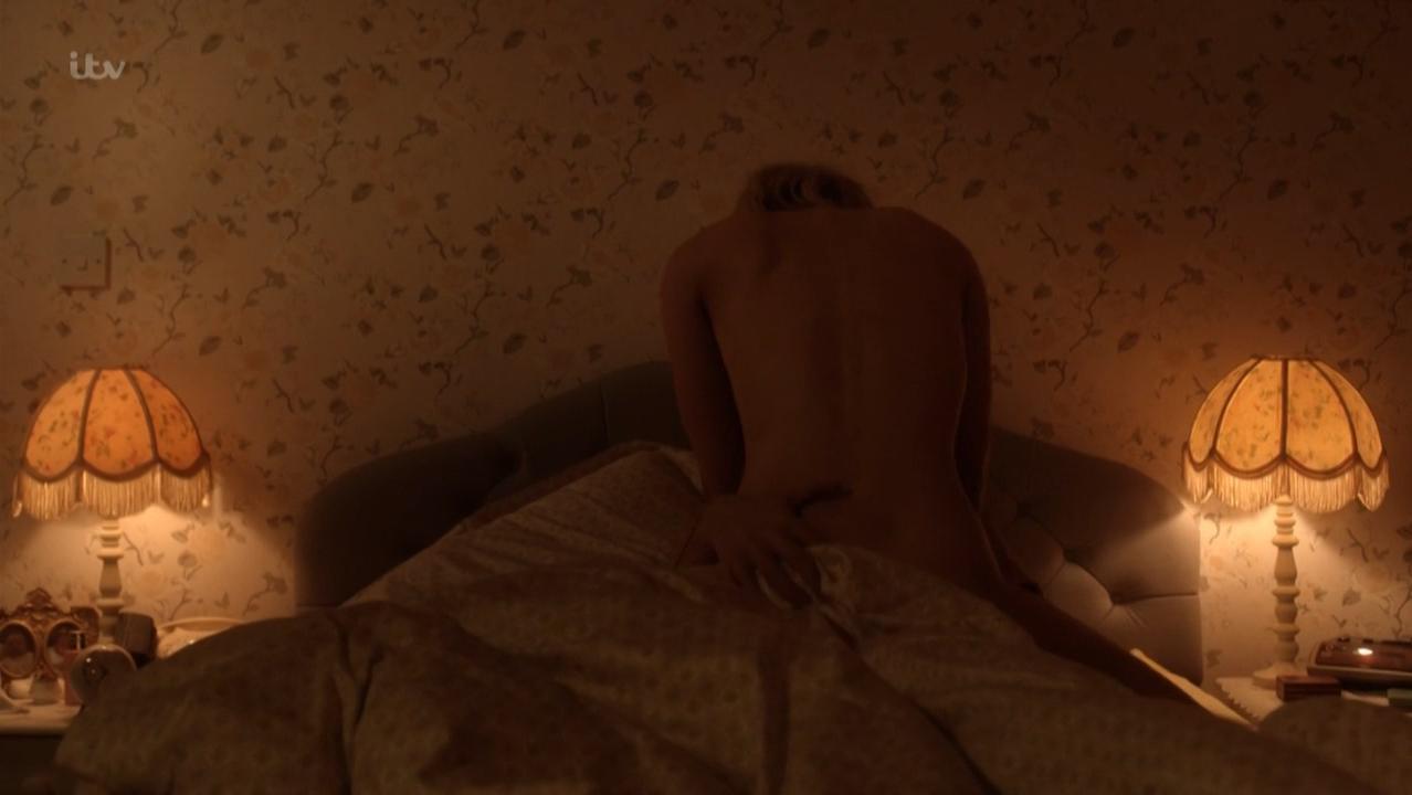 OReilly nackt Genevieve  31 hot