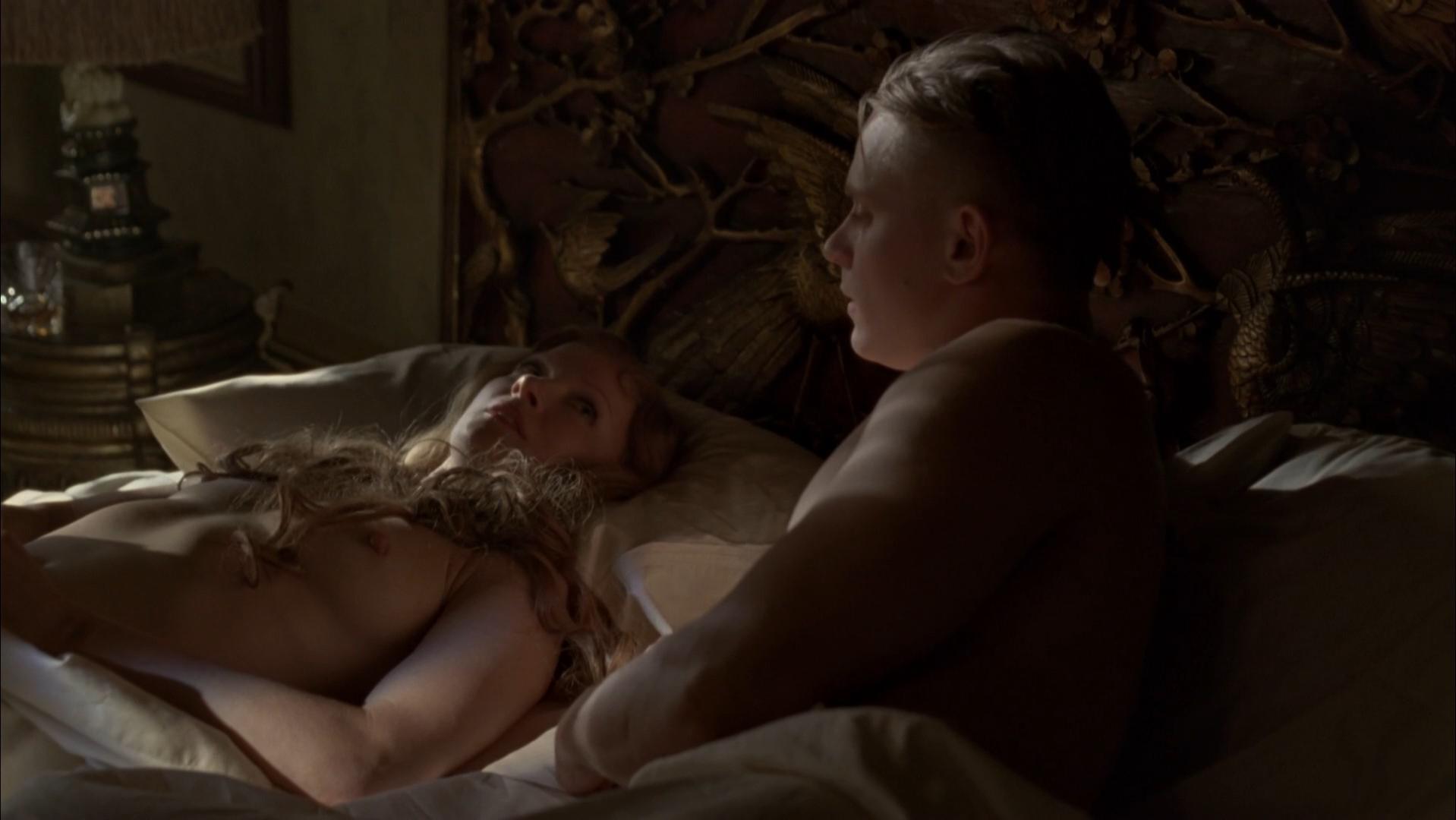 gretchen-mol-sexy-pics-nude-blowjob-raw-tube