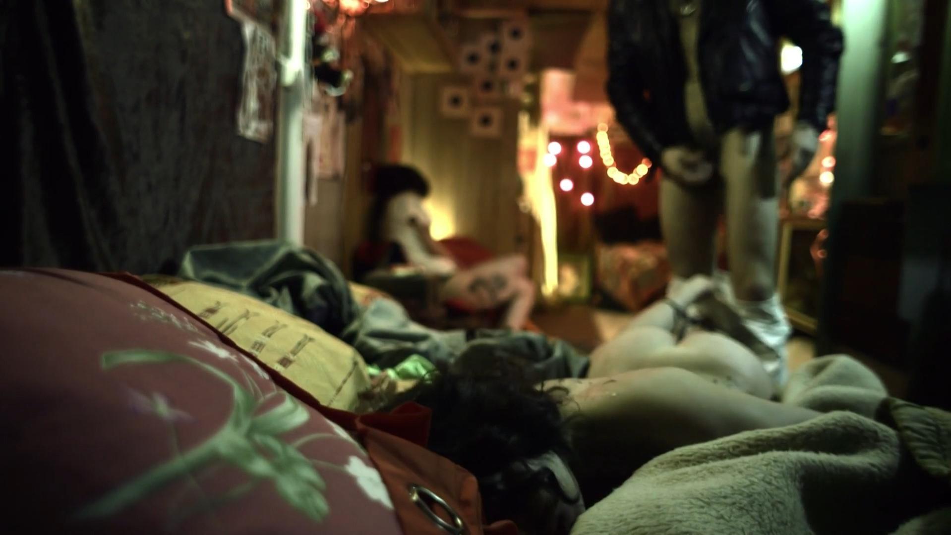 Daphne Hesnard nude - Nuit noire (2013)