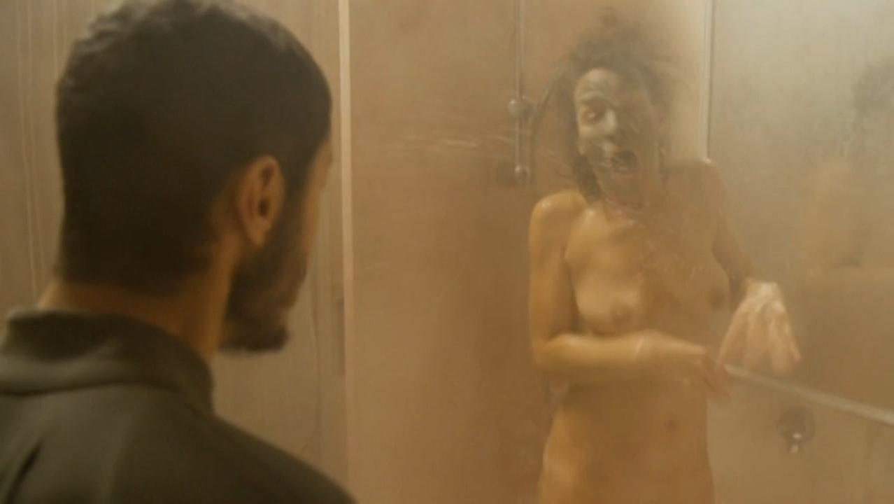 Maud Buquet nude - Pitza E Datteri (2015)
