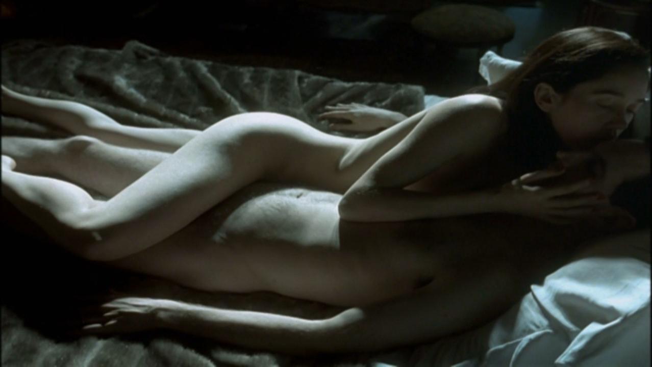 Camila Morgado nude - Olga (2004)