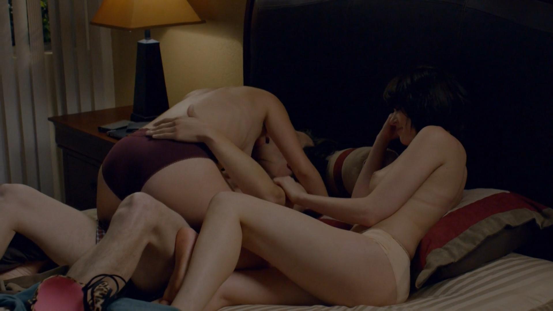 Emily Sandifer nude, Jennifer Blakeslee nude - Love s01e01 (2016)