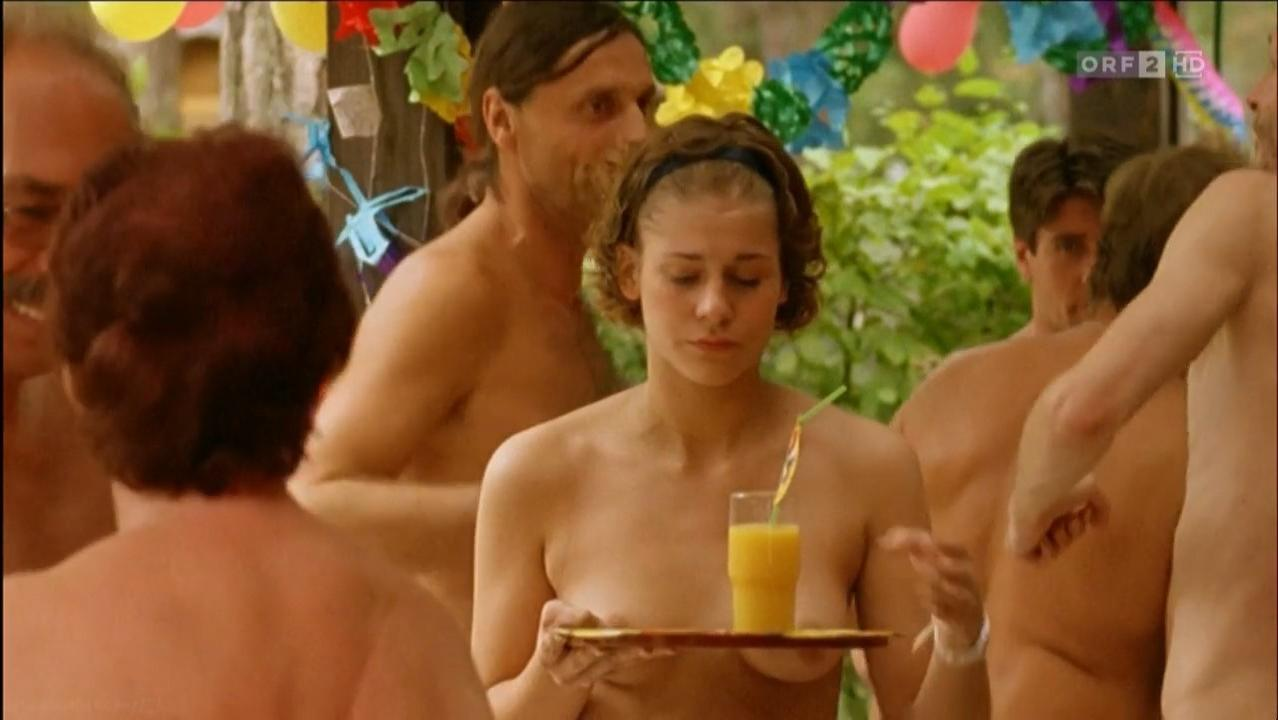 Stefanie Honer nude - Barfuss bis zum Hals (2009)
