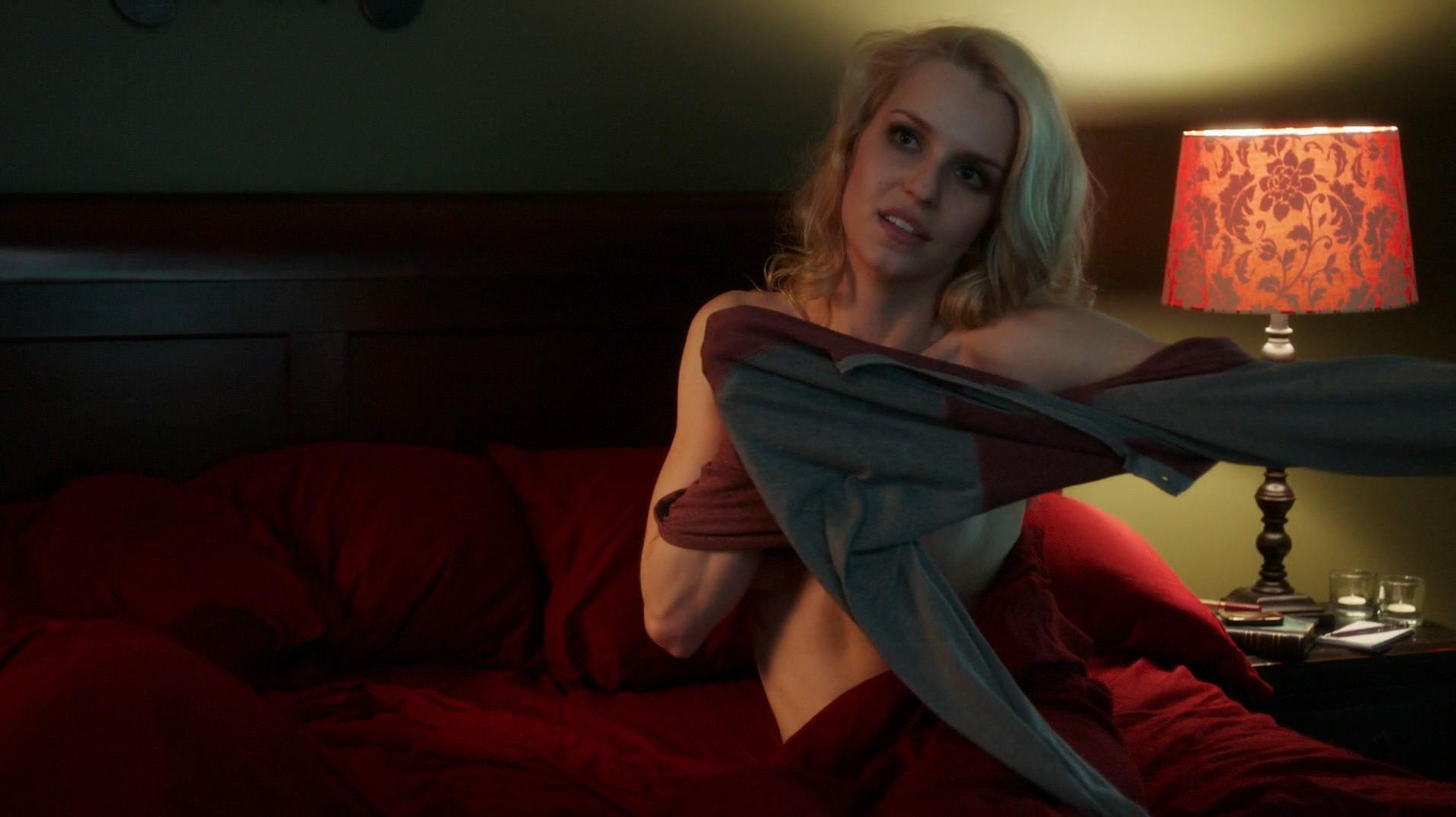 Gia Crovatin nude - Dirty Weekend (2015)