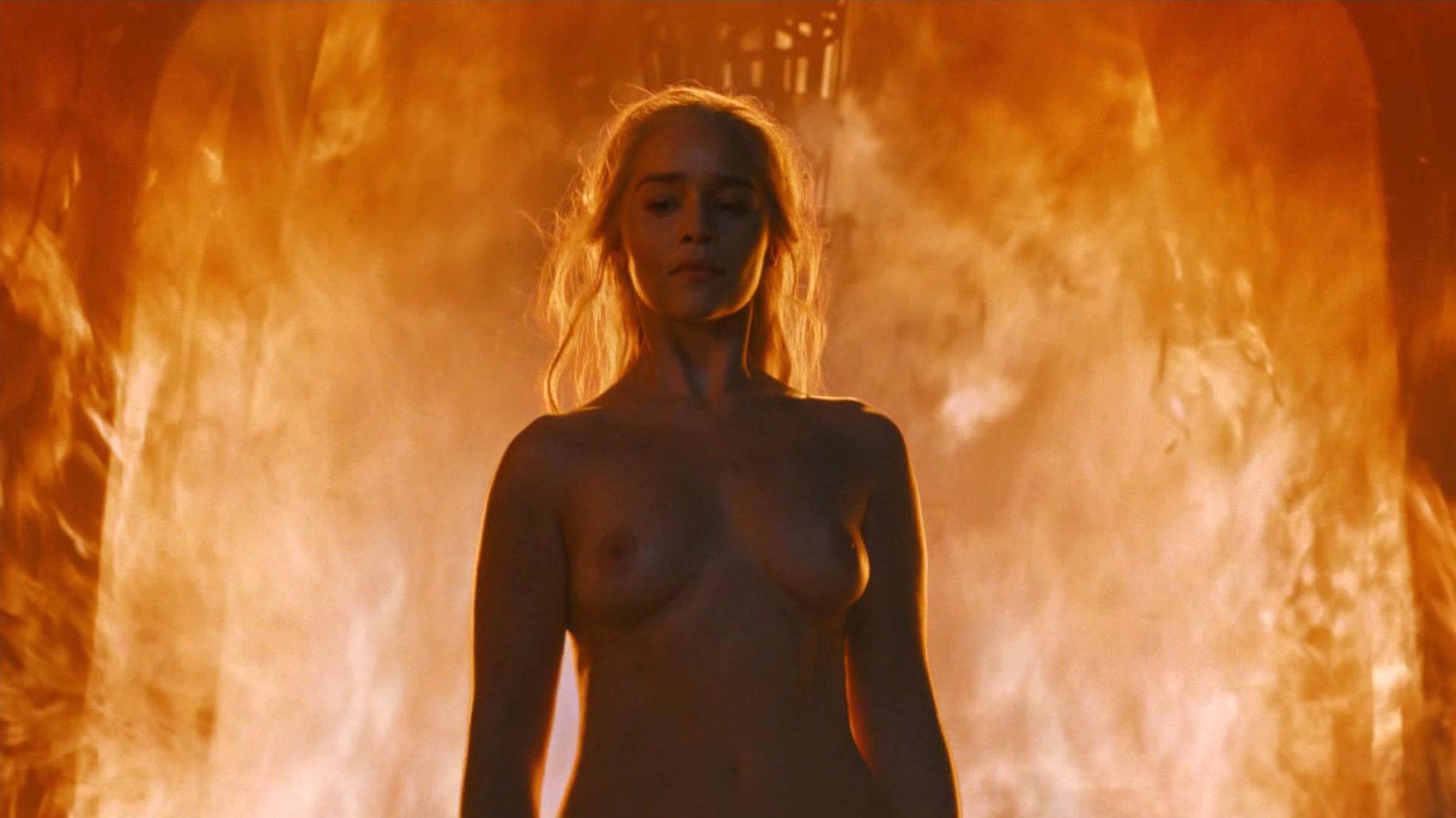 Emilia Clarke nude - Game of Thrones s06e04 (2016)