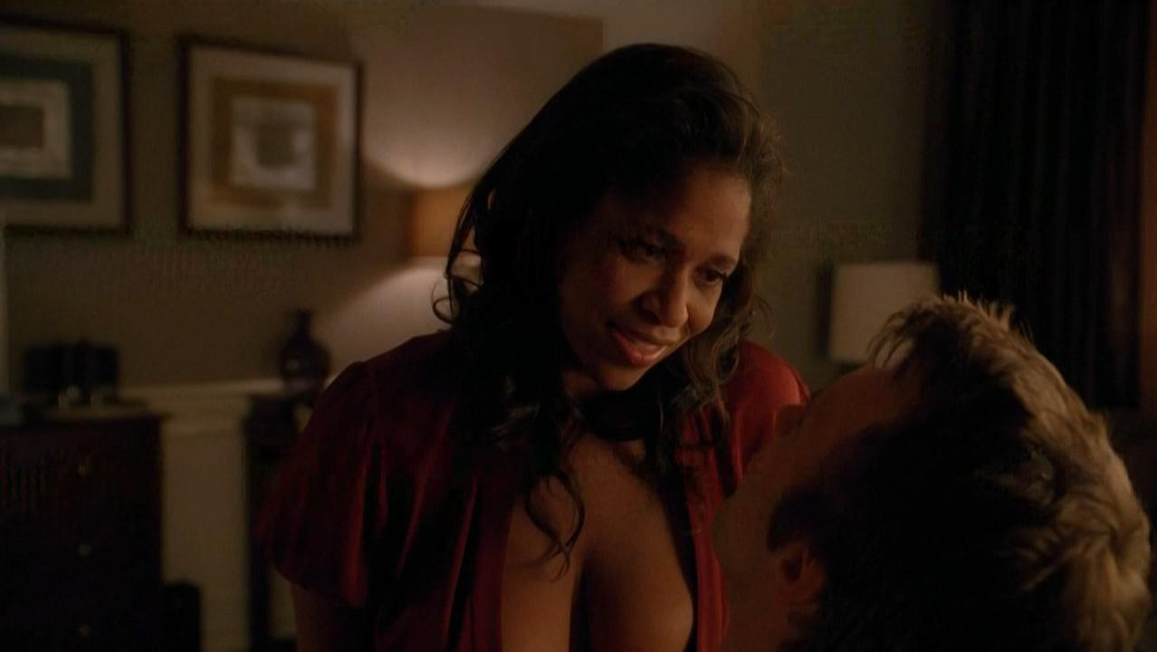 Merrin Dungey nude - Hung s02e06 (2010)