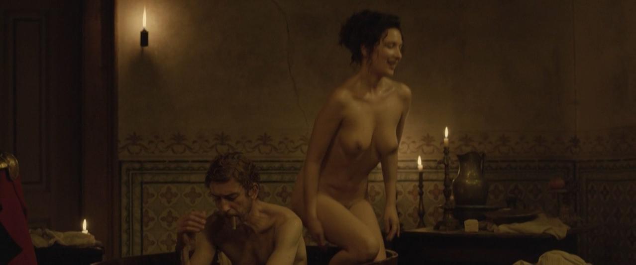 Soraia Chaves nude, Victoria Guerra nude - Linhas de Wellington (2012)
