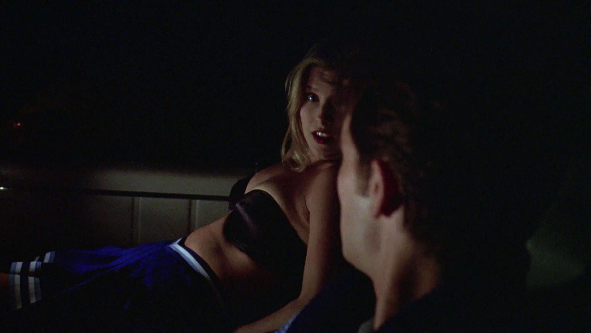 Ali Larter sexy - Varsity Blues (1999)
