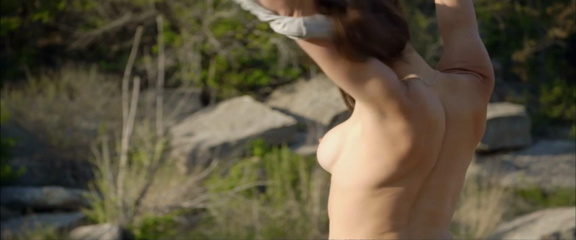 Zoe Duchesne nude - In America s01e06 (2014)