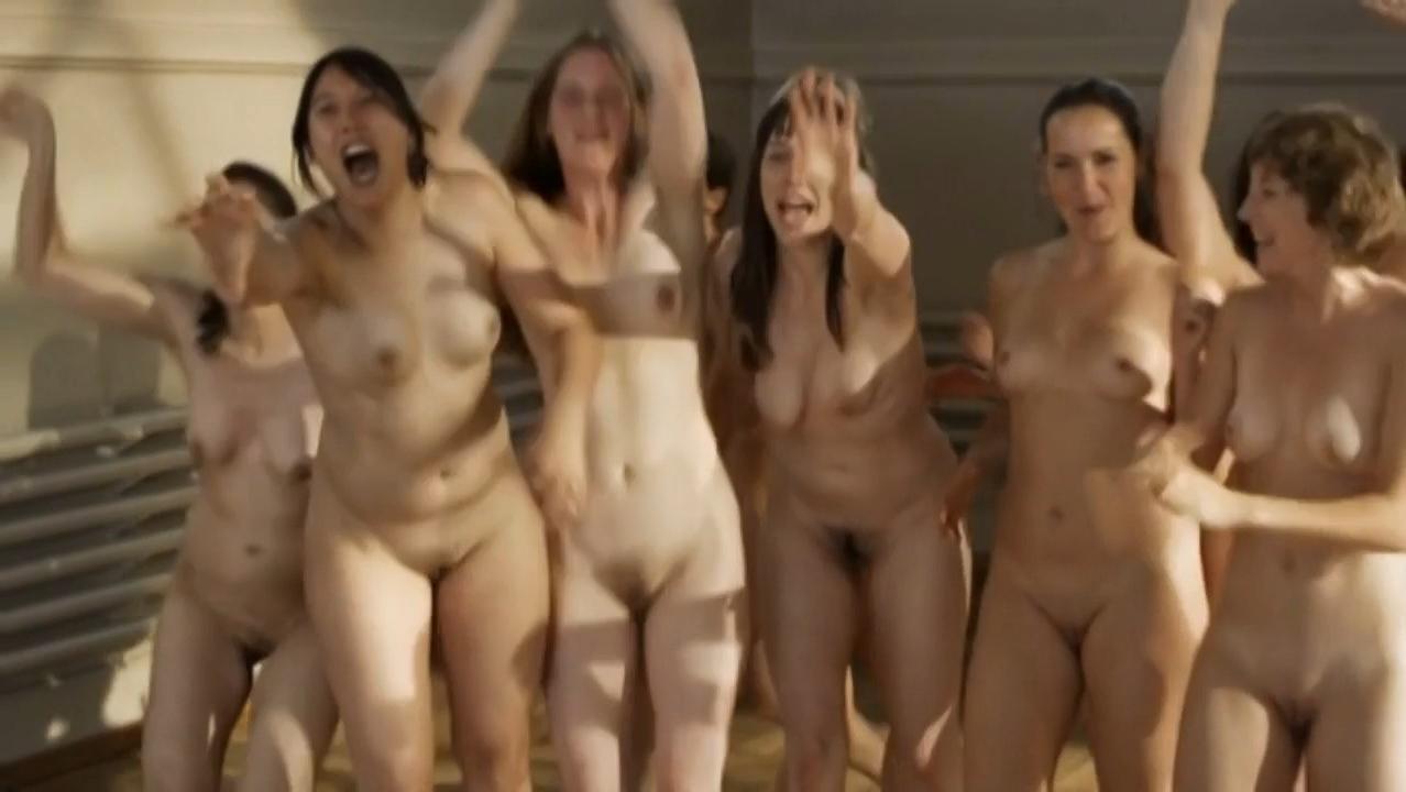 naked men in shower room