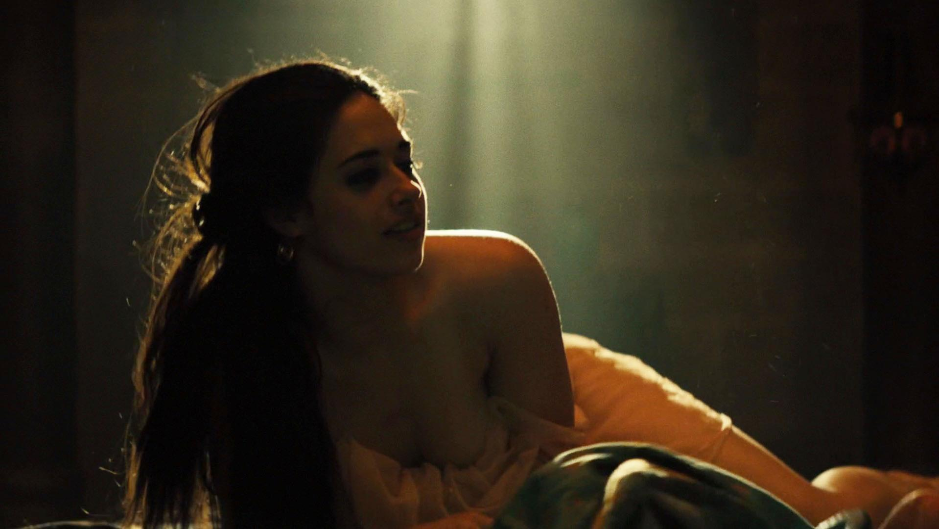 Jeanine Mason nude - Of Kings and Prophets s01e01 (2016)