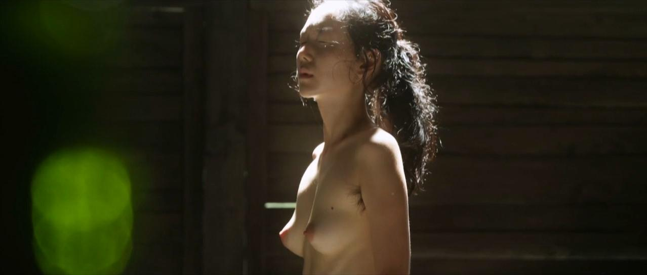 Actress in fully naked 13