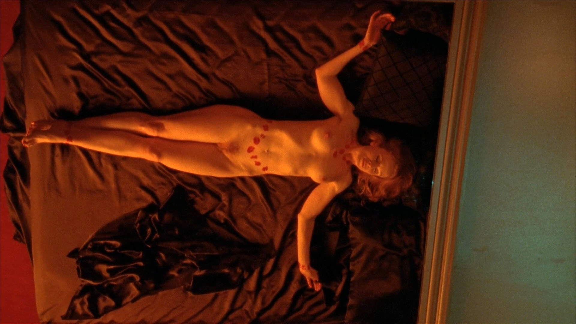 Alison Whyte nude - Satisfaction s02 (2009)