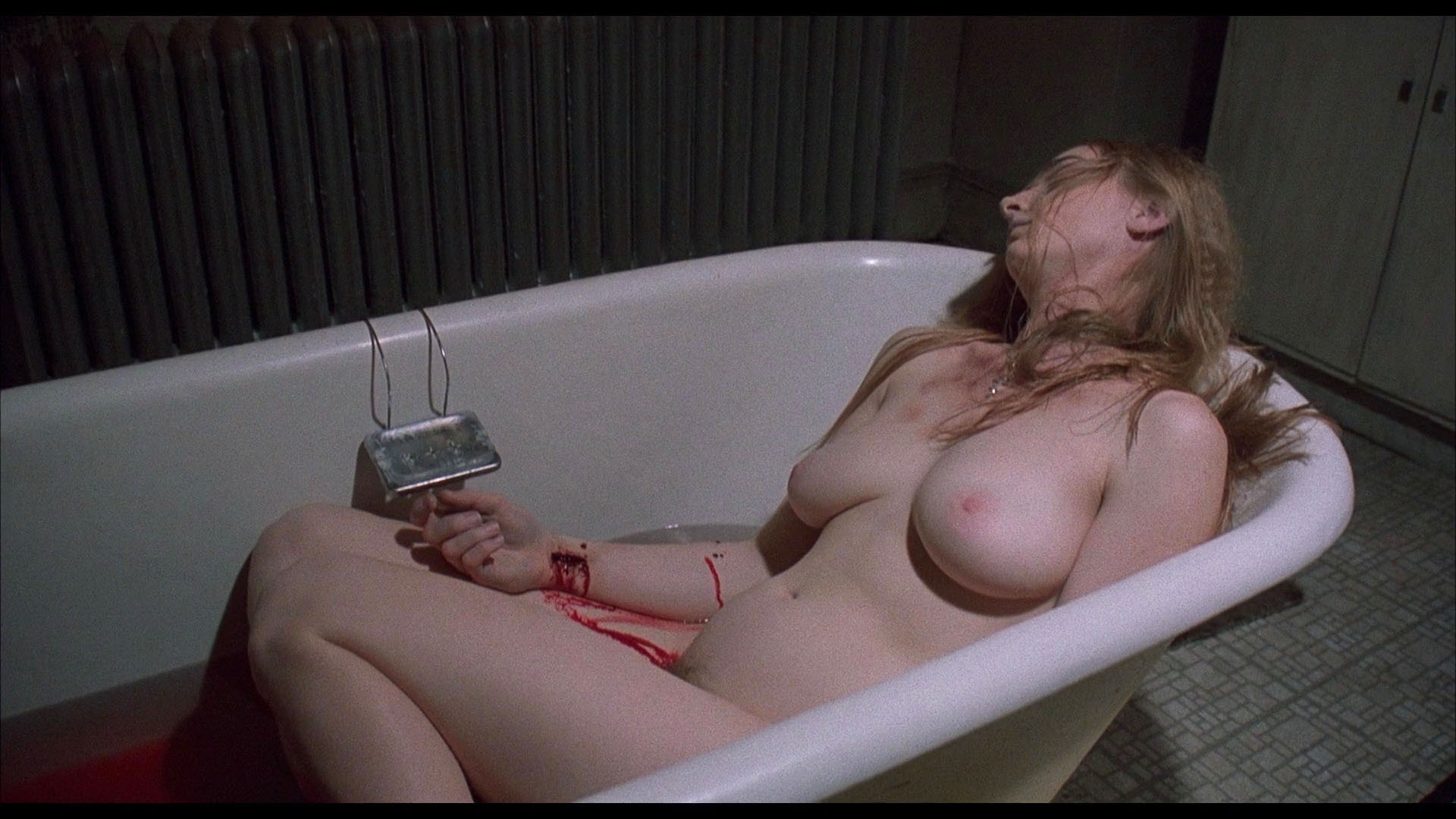 Joy E. Gregory nude - Blink (1993)