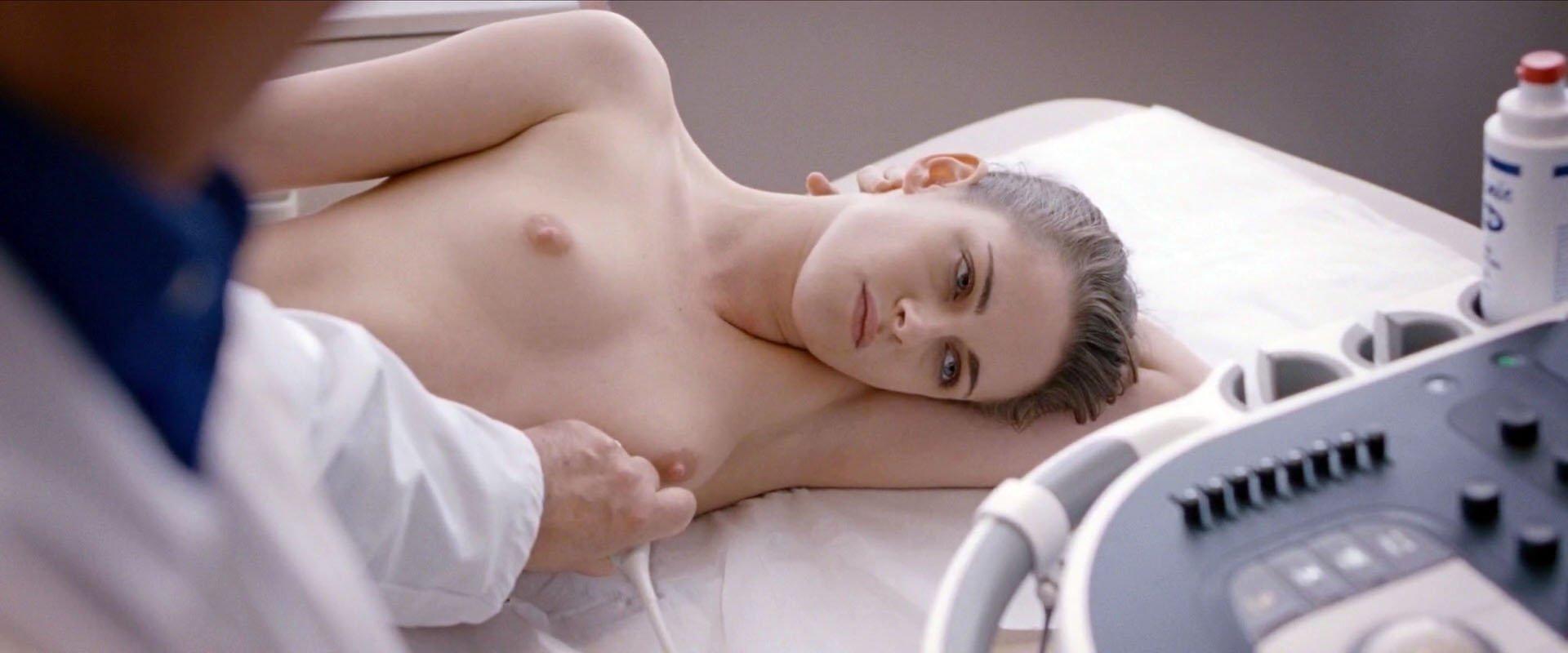 image Kristen stewart topless personal shopper