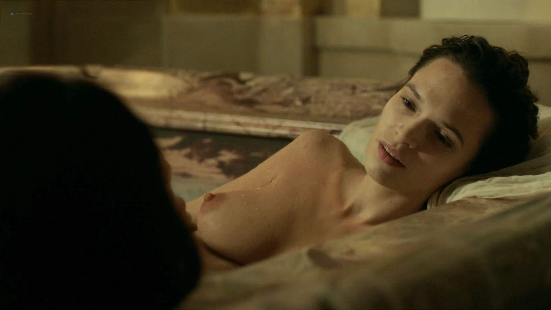 Nude Video Celebs  Anna Brewster Nude - Versailles S02E01 -8309