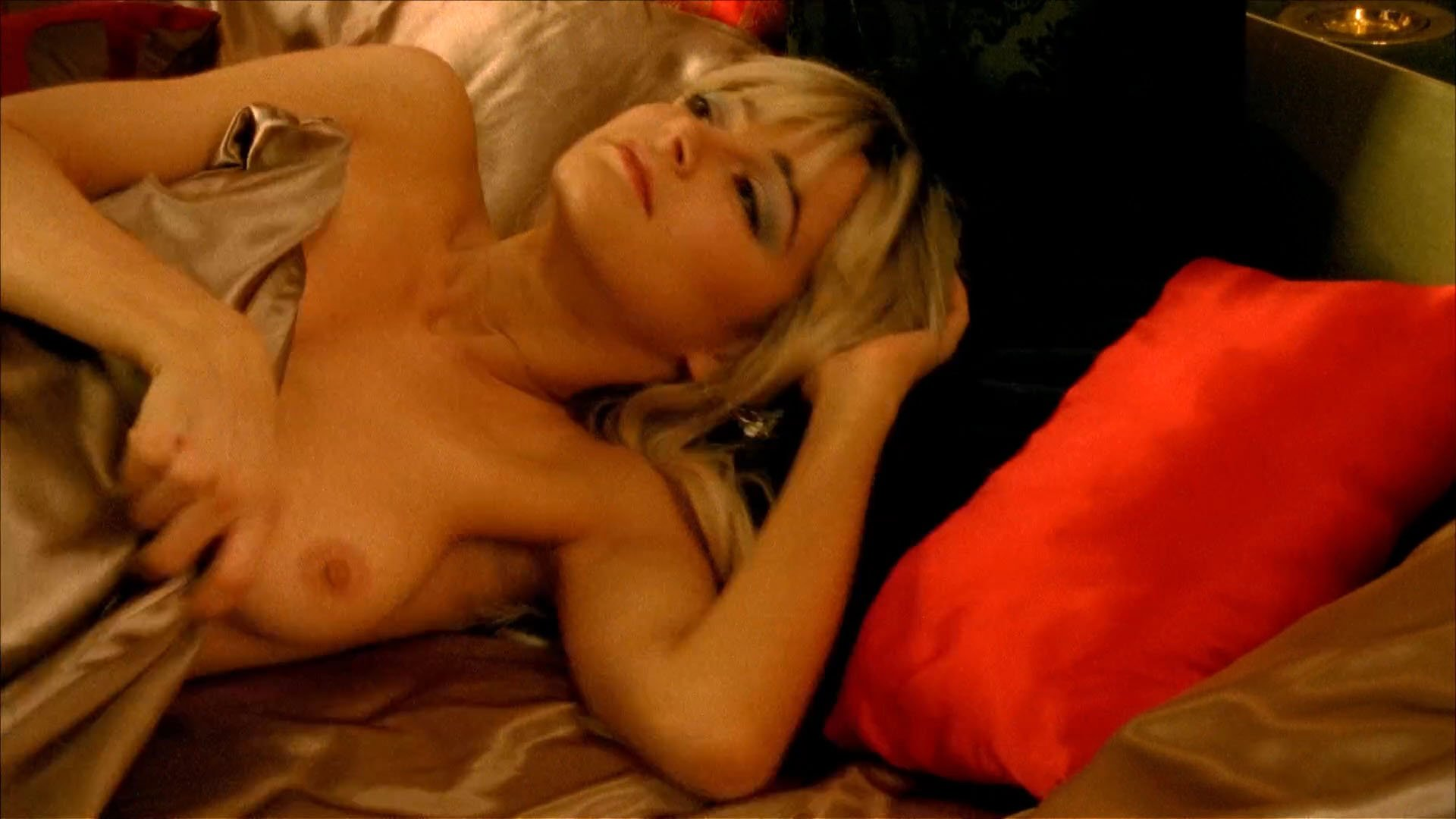 Bojana Novakovic nude - Satisfaction s02e01-03 (2009)