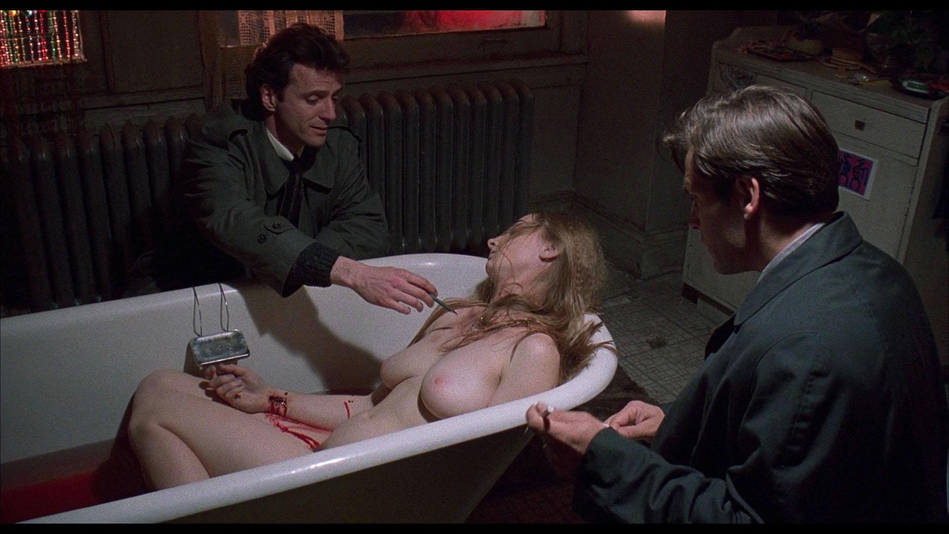 Joy E. Gregory nude - Blink (1993)