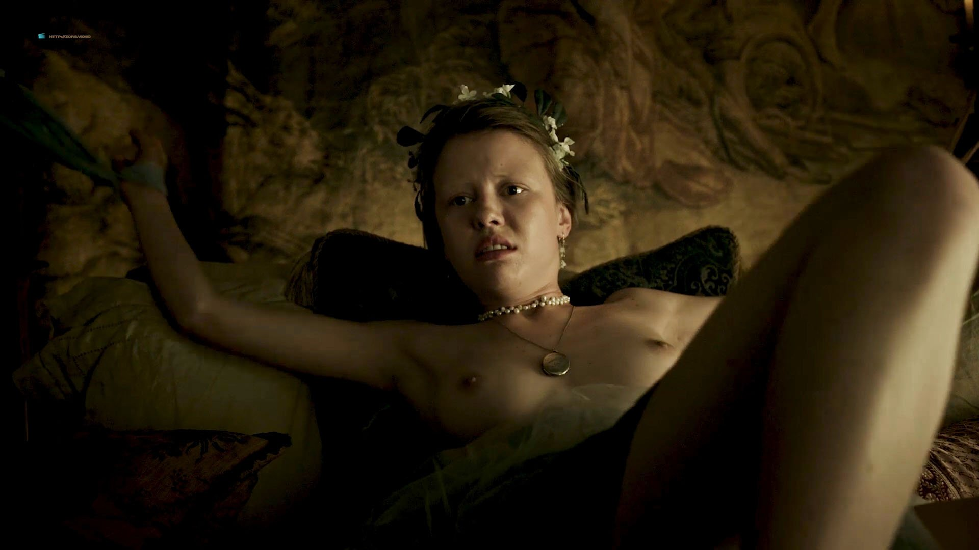 Mia Goth nude - A Cure for Wellness (2016)