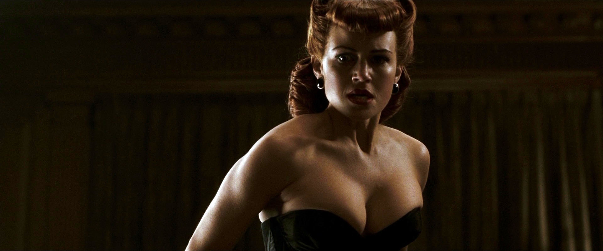 Nude Video Celebs  Carla Gugino Sexy - Watchmen 2009-3019