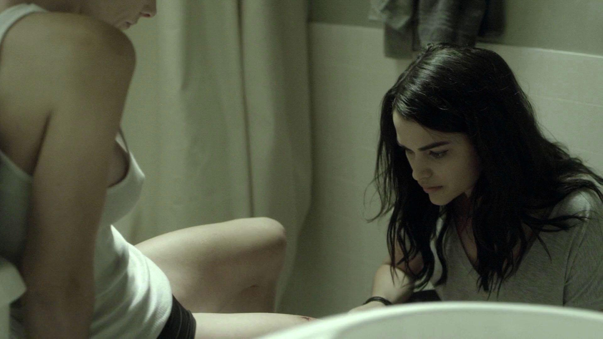 Ashley Greene sexy - Rogue s04e03 (2017)