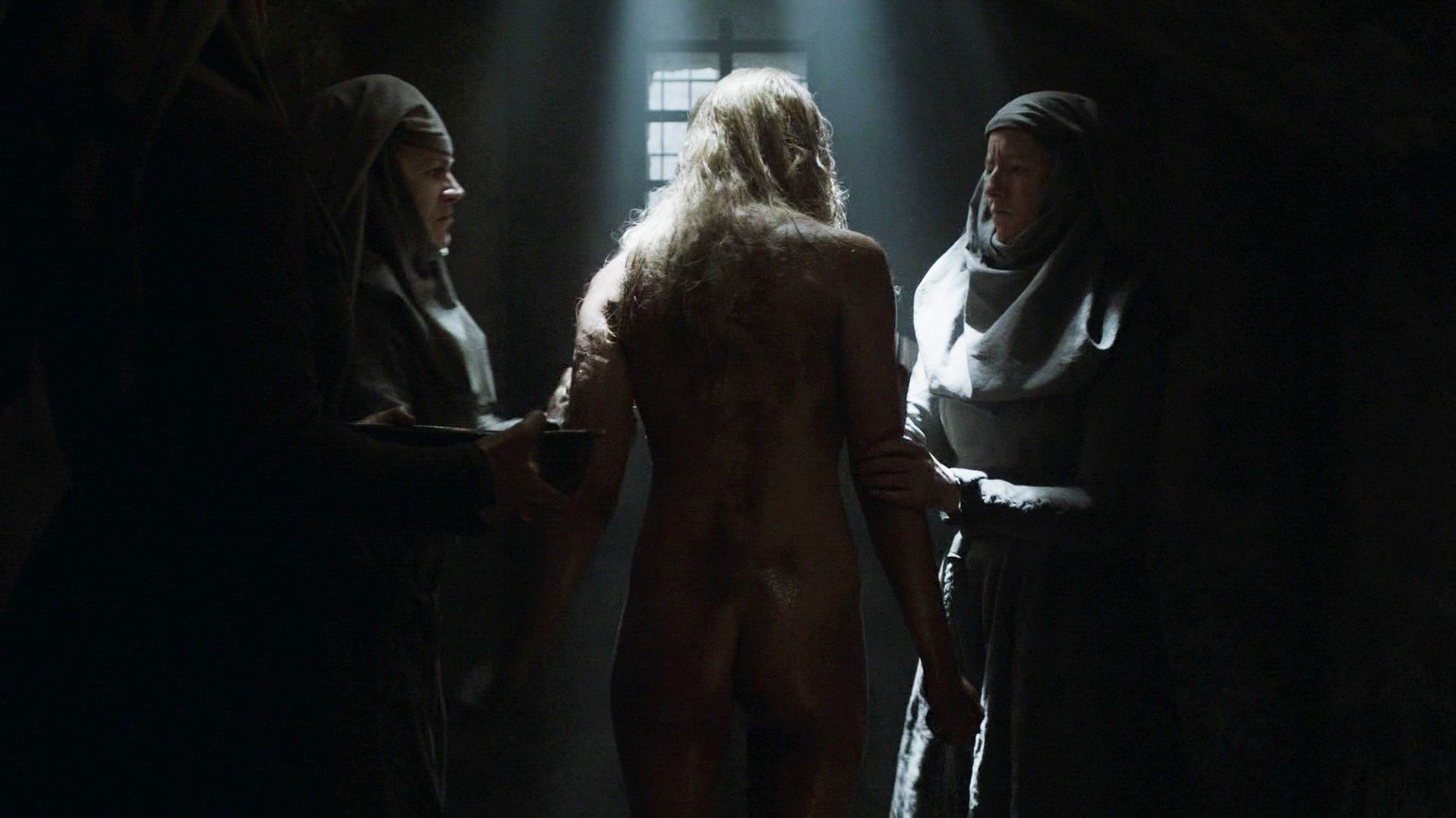 Lena Headey sexy - Game of Thrones s05e10 (2015)