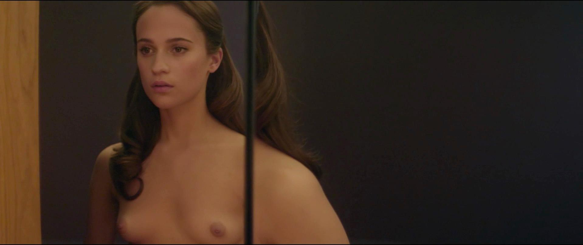 Alicia Vikander nude - Ex Machina (2015)