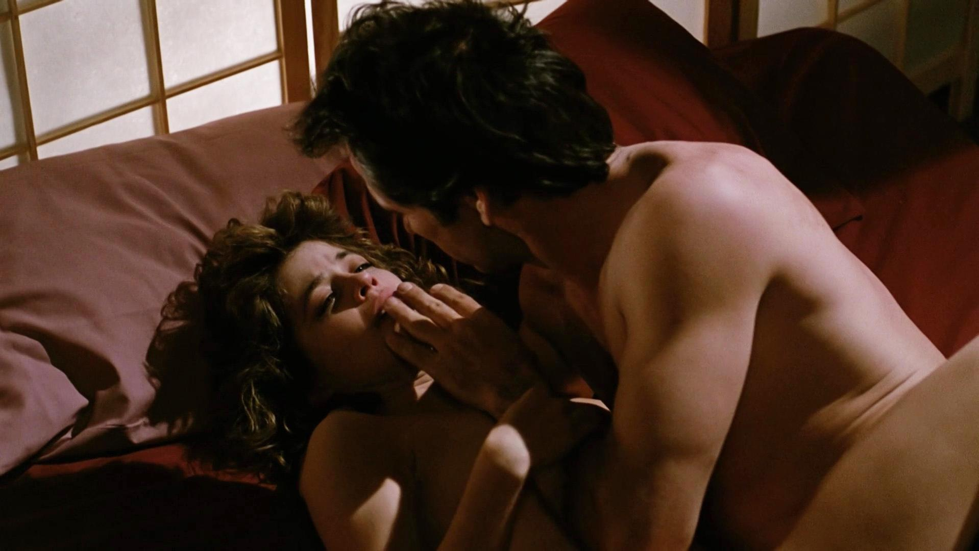 Linda hamilton nude scenes