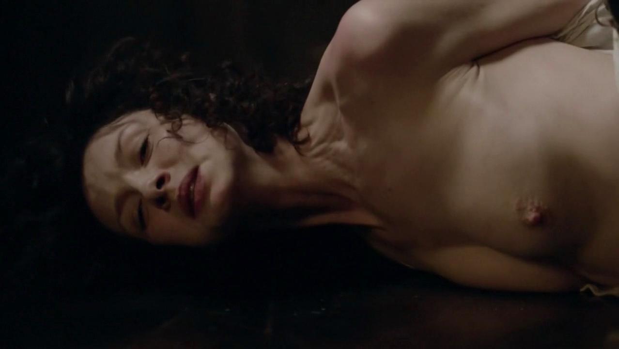 Caitriona Balfe nude - Outlander s01e08 (2014)