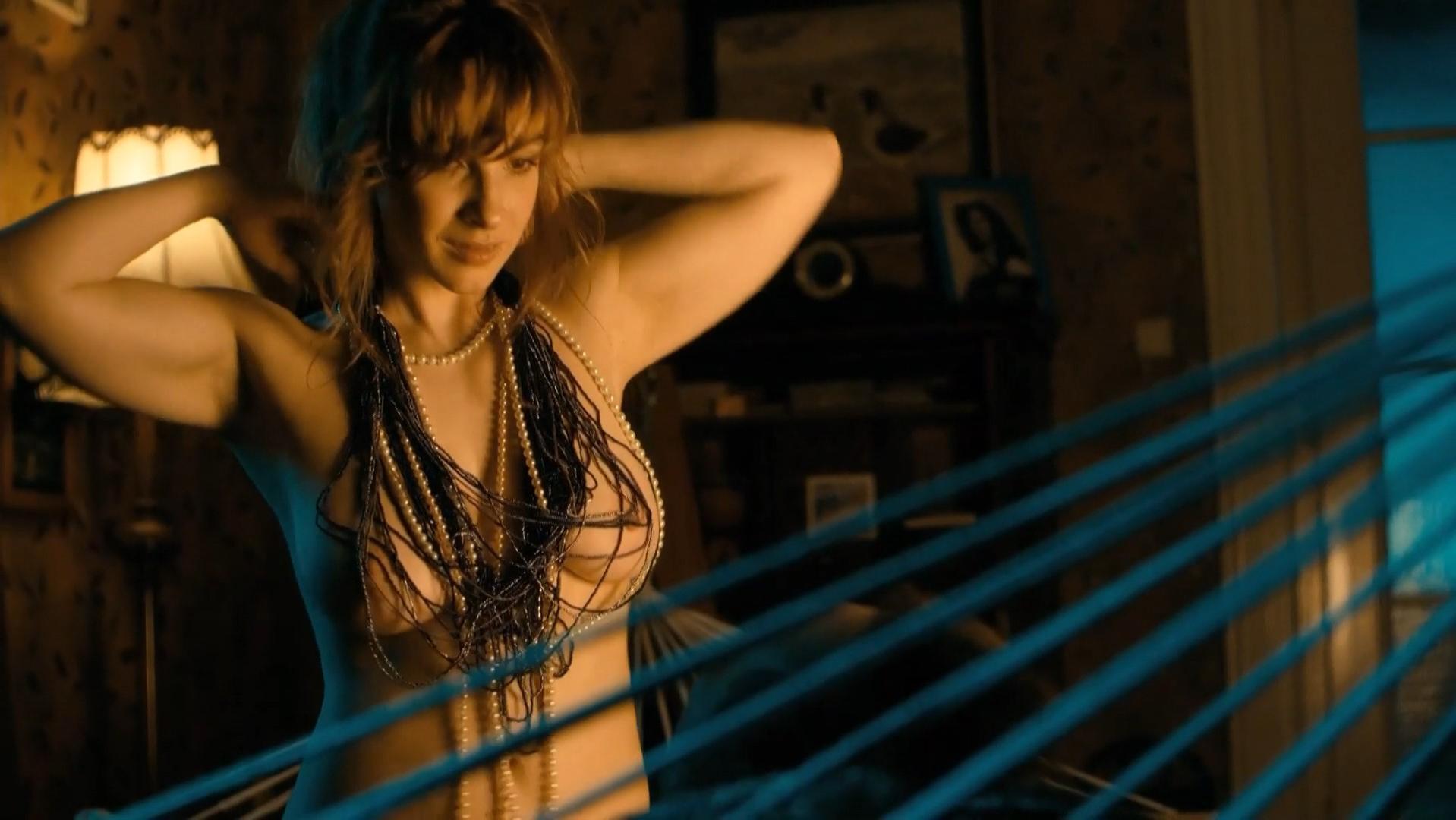 Vica Kerekes nude - Muzi v nadeji (2011)