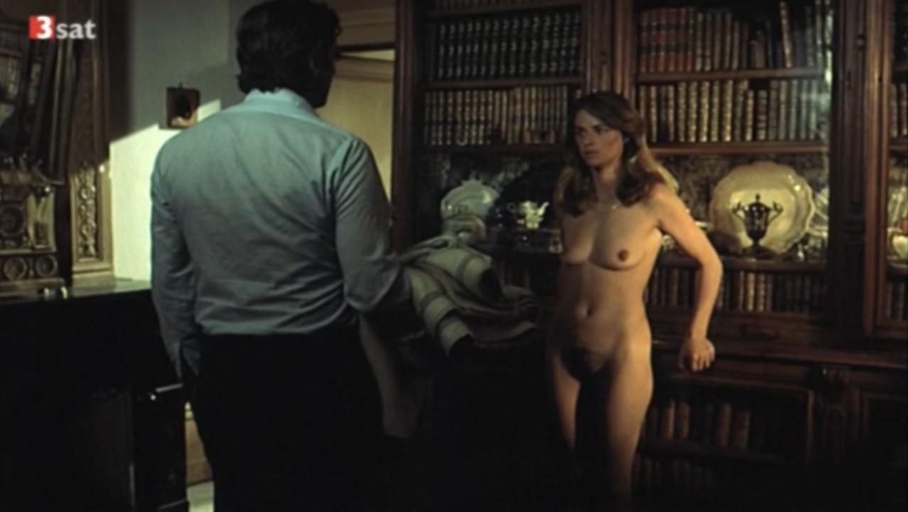 Charlotte Rampling nude - La Chair de l'orchidee (1975)