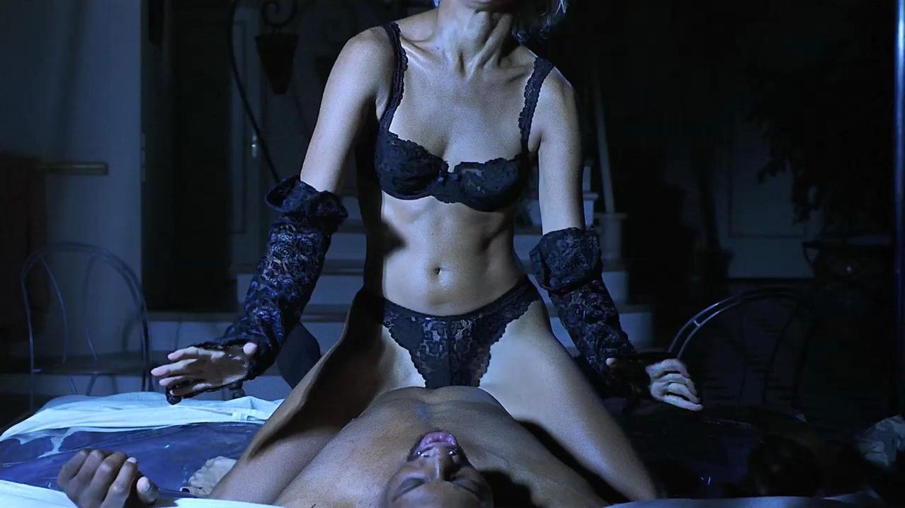 Emma Sjoberg nude - Simon Sez (1999)