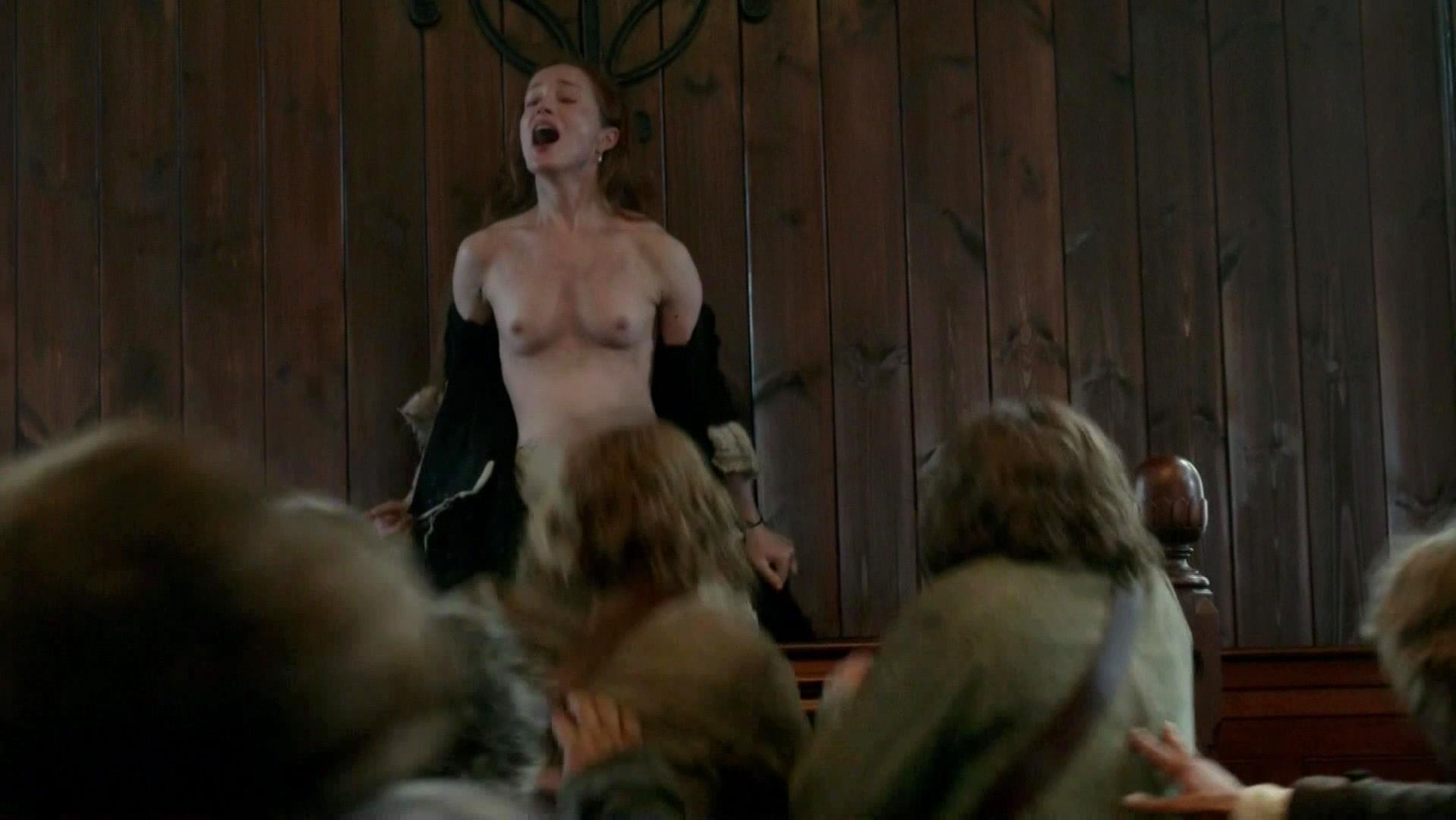 Lotte Verbeek nude - Outlander s01e11 (2015)