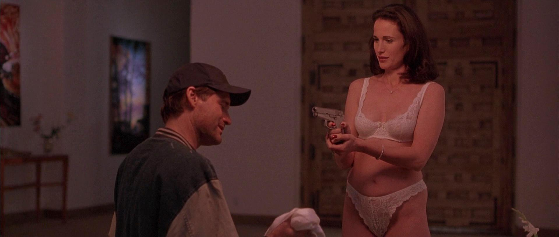 Andie MacDowell sexy - The End of Violence (1997)