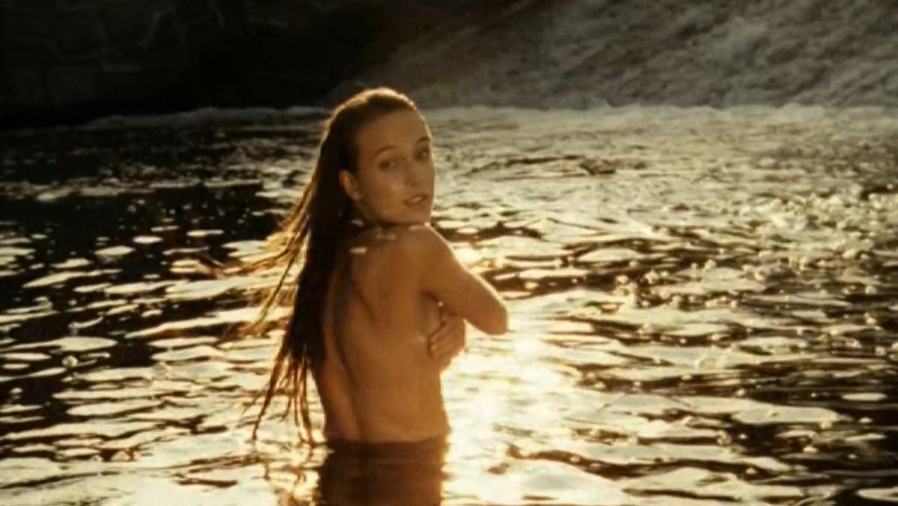 Tereza Voriskova nude - Bobule (2008)