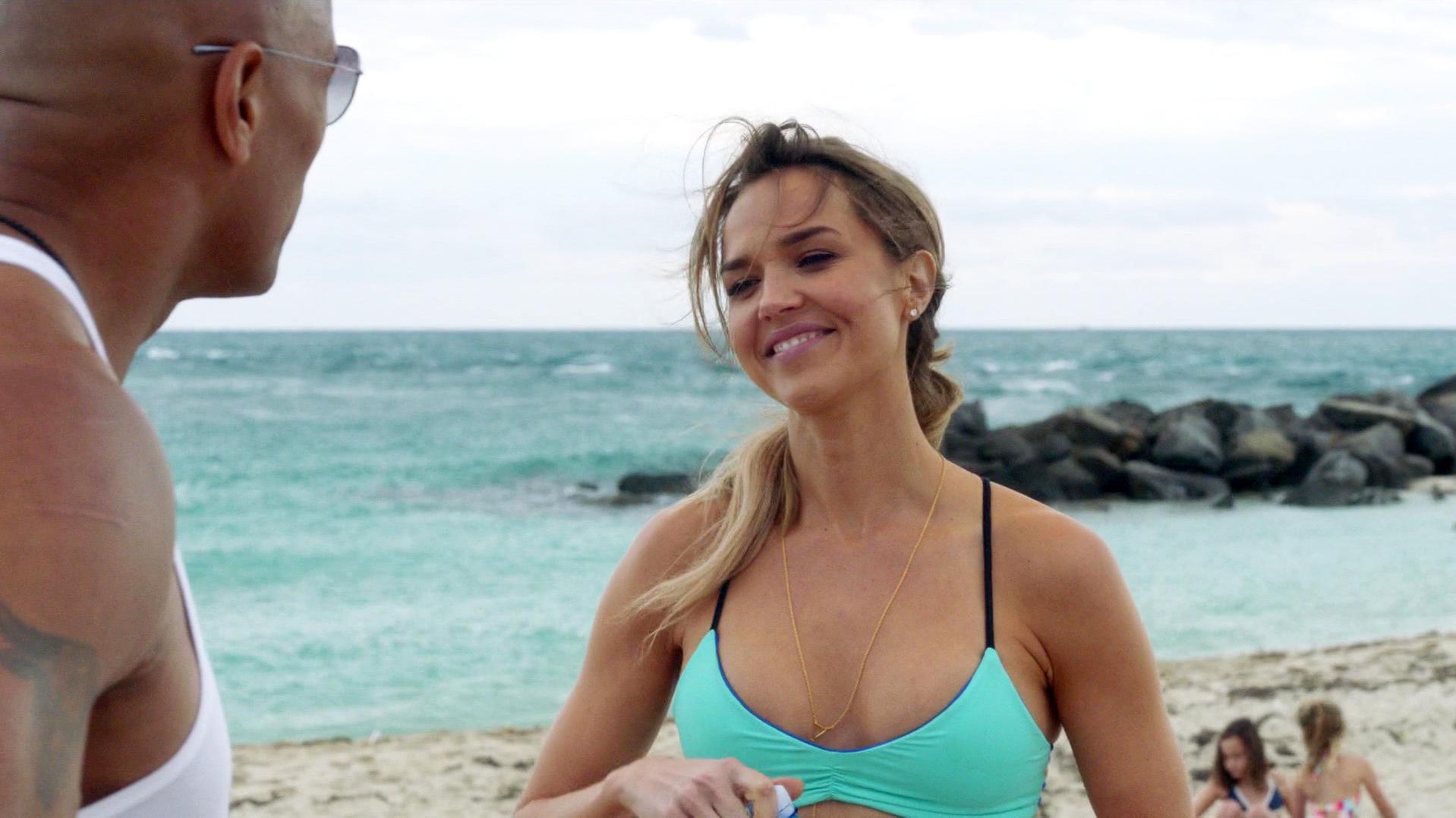 Arielle Kebbel sexy, Joy Corrigan nude, Staci Lyon nude - Ballers s01e06-07 (2015)