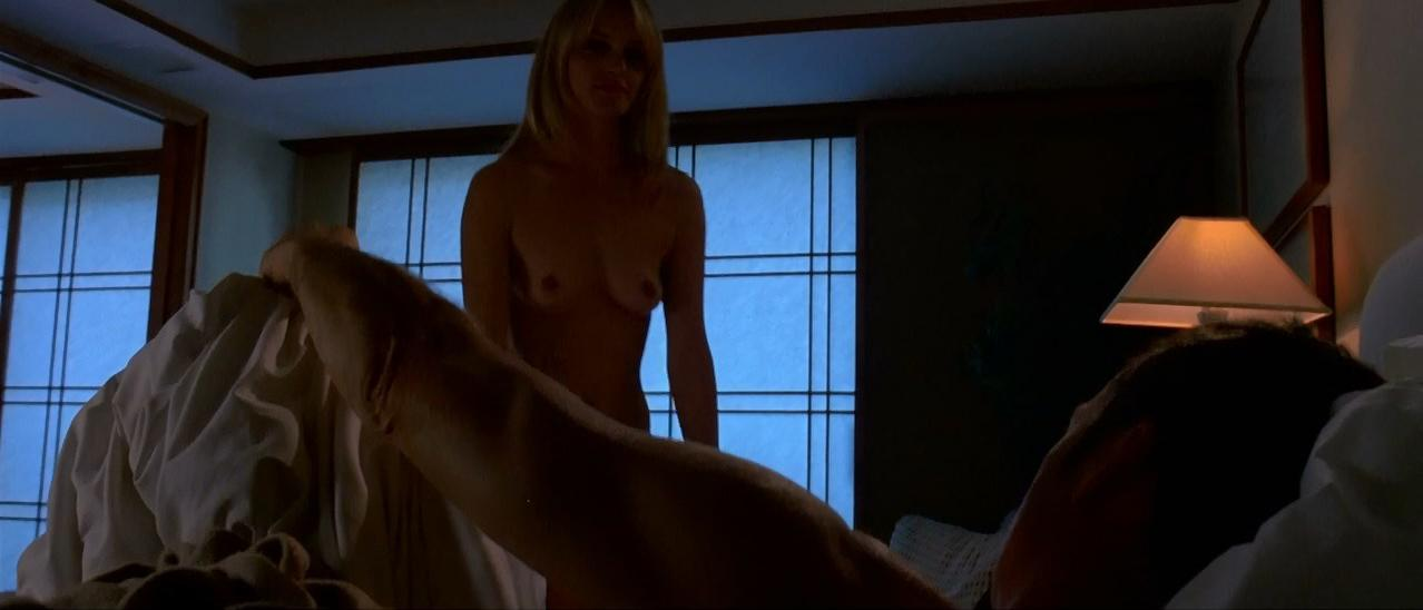 Amber Valletta nude - The Last Time (2006)