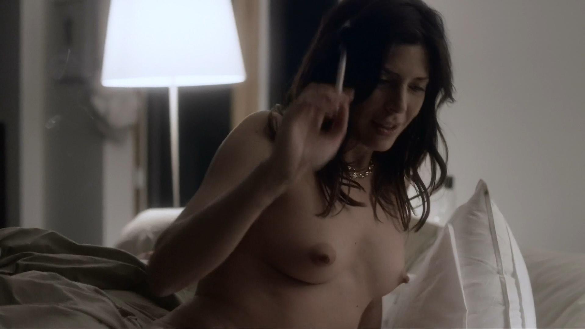 Cindy Sampson sexy - Rogue s03e01 (2015)