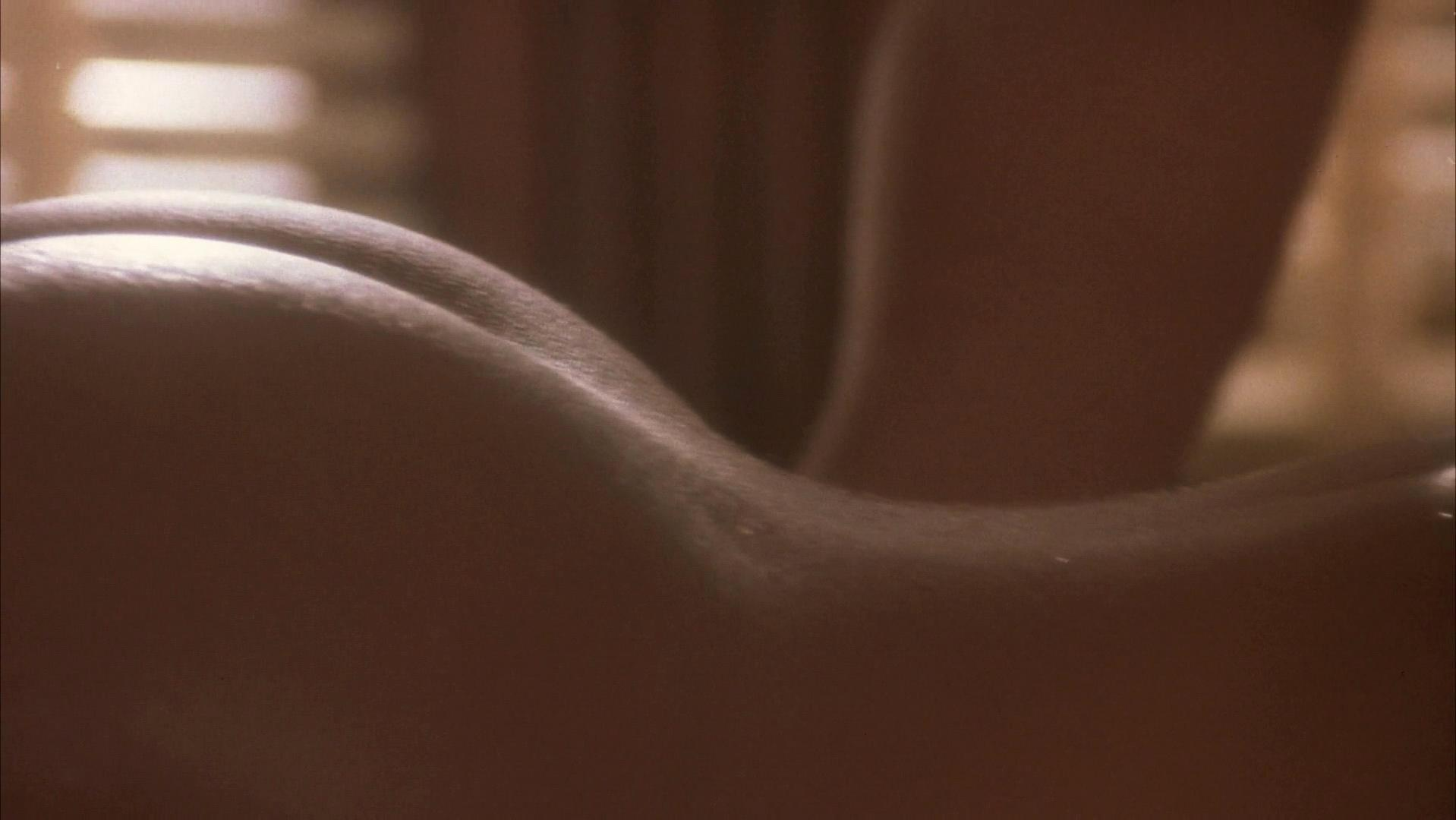 Robin Givens nude - A Rage in Harlem (1991)