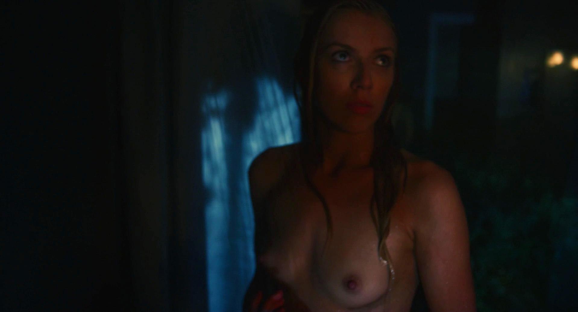 Laura Jacobs nude - Muck (2015)