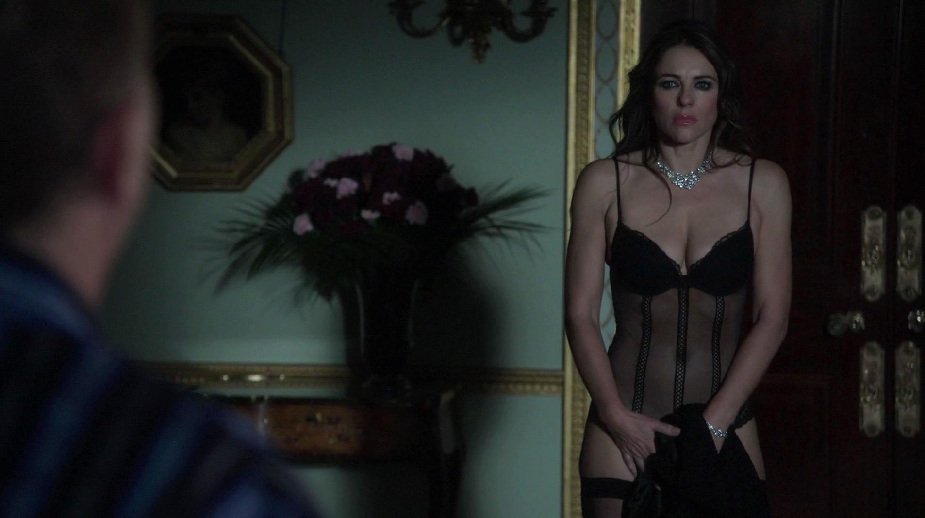 Merritt Patterson sexy, Elizabeth Hurley sexy, Alexandra Park sexy - The Royals s01e01 (2015)