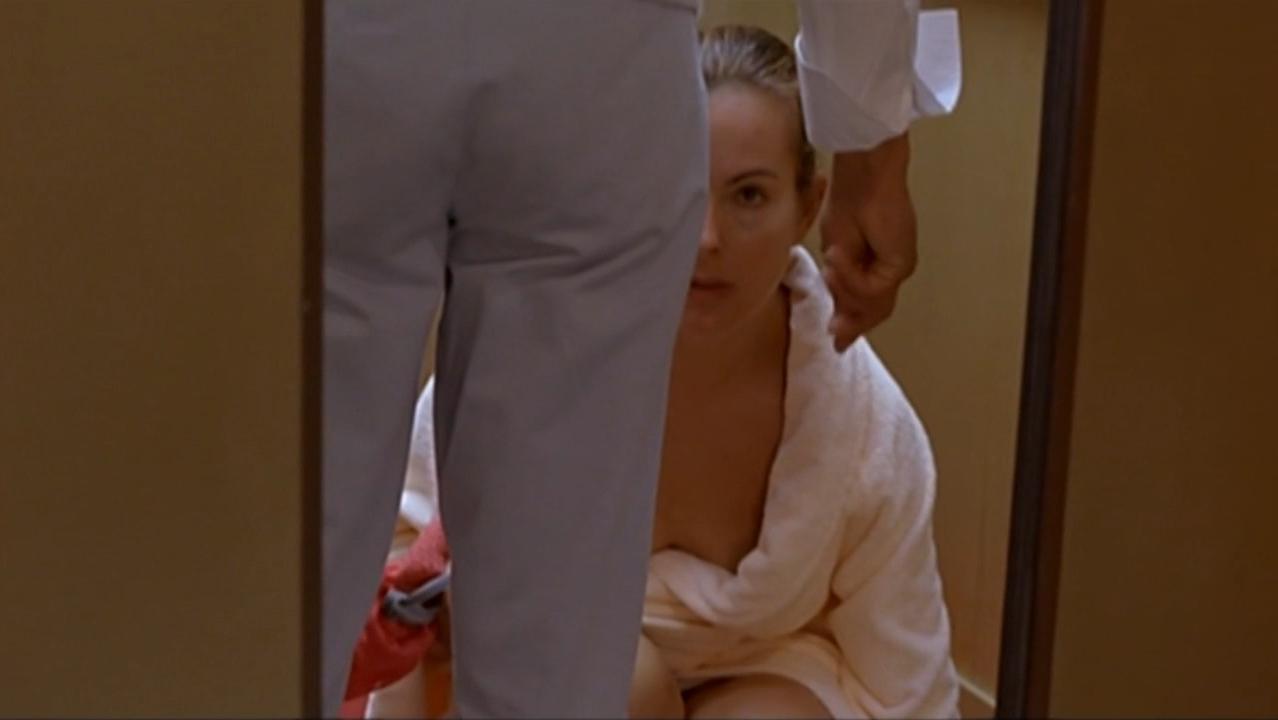 Carole Bouquet nude, Barbara Kelschn nude - Embrassez qui vous voudrez (2002)
