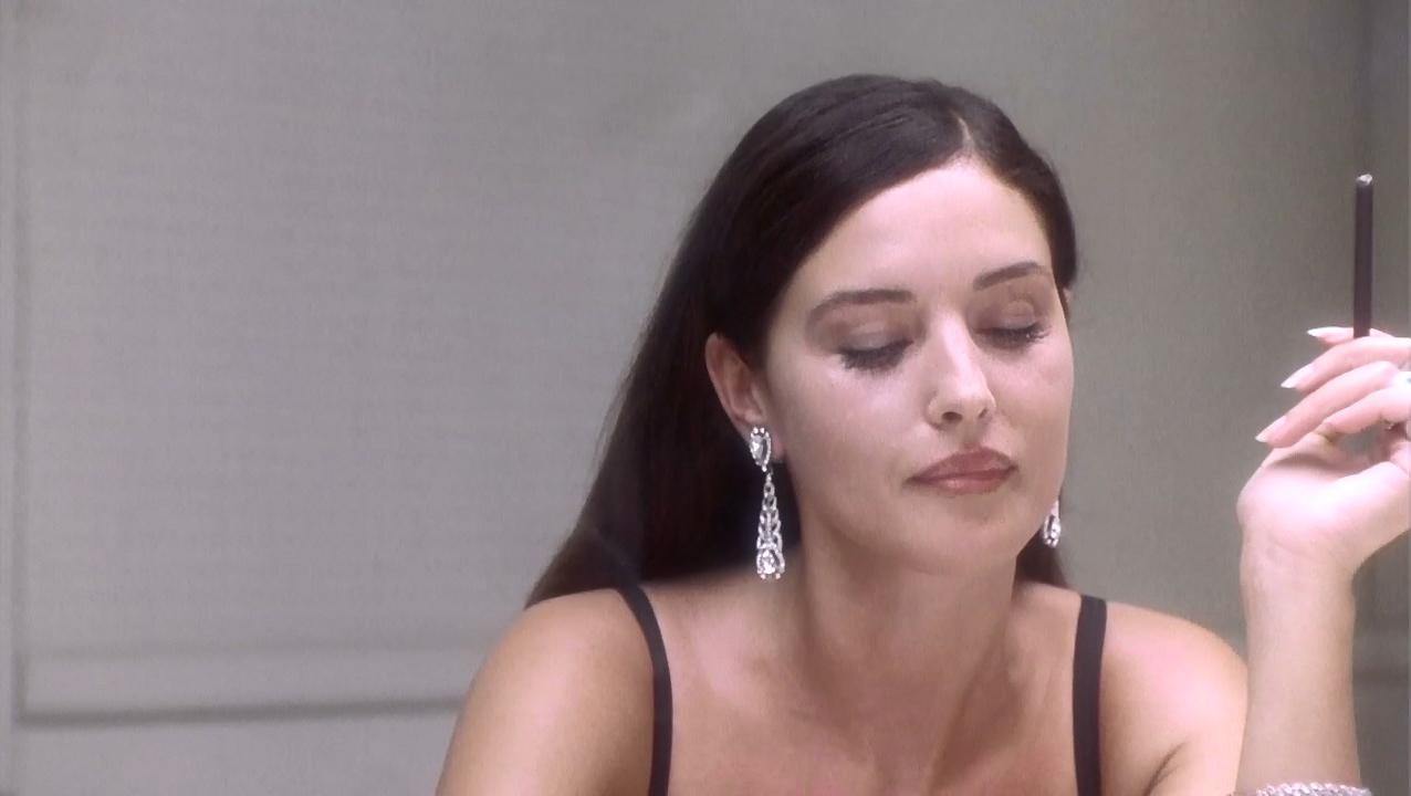 Monica Bellucci sexy - Under Suspicion (2000)