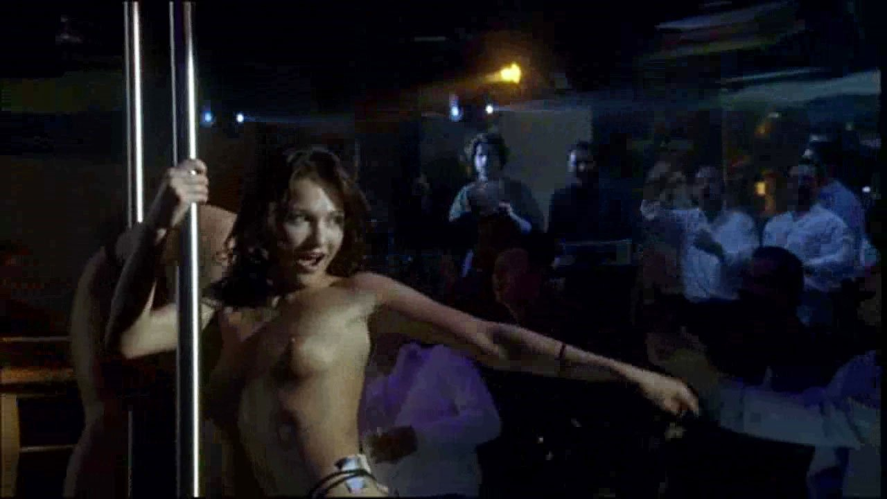 Vilma Raubaite nude, Eugenia Brik nude - Matrioshki s01e02 (2005)